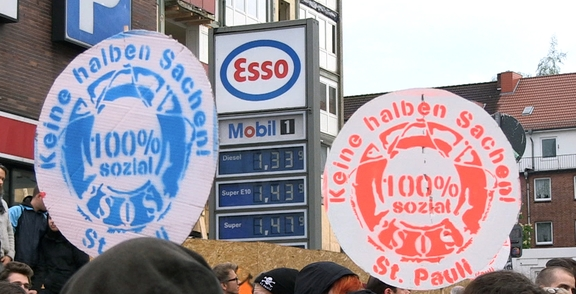Buy Buy St. Pauli - über die Kämpfe um die Esso-Häuser