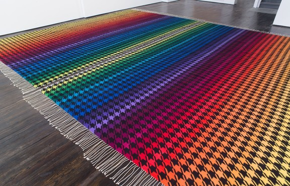Polly Apfelbaum, Rainbow Nirvana Houndstooth, 2013 Courtesy die Künstlerin, Galerie nächst St. Stephan, Alexander Gray Associates und Frith Street Gallery