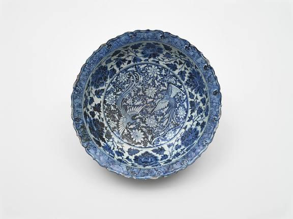 Schüssel, China, Yuan-Dynastie (1271?1368), Mitte 14. Jh., Porzellan mit Bemalung in Kobaltblau unter der Glasur © MAK/Georg Mayer