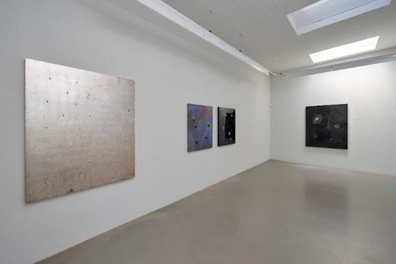 Ausschnitt aus Ausstellungsansicht mit Werken von Johannes Domenig
