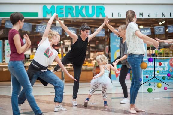 Wiener Festwochen: Anti-Fascist Ballet School