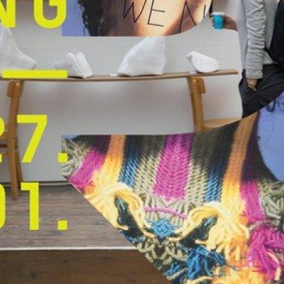 (im Vordergrund) Geraldine Massing, 103.26,5 alltägliche Schwimmbewegungen, 2018,  Foto © eSeL.at und (im Hintergrund) Maximilian Hissek, City Fur, 2018, Foto © eSeL.at