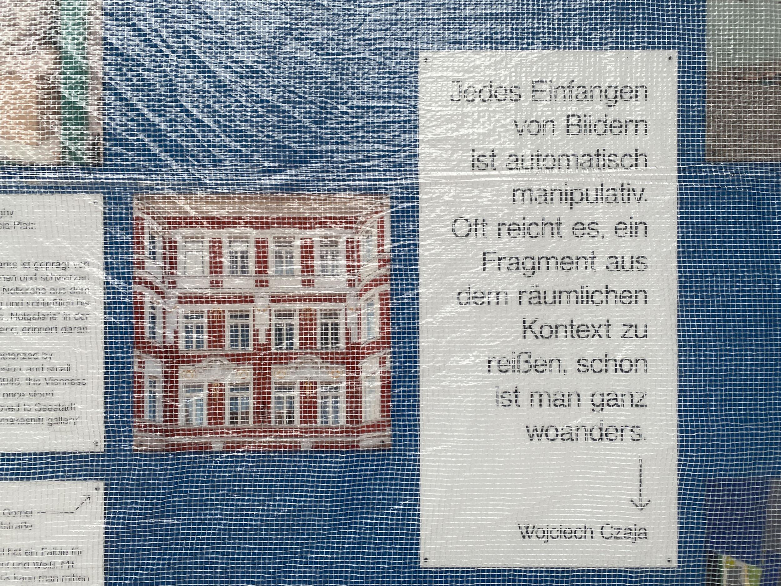 """eSeL Foto: Wojciech Czaja - """"Almost"""" (Wien Museum Karlsplatz Baustellenzaun, 11.2. - 28.3.2021)"""