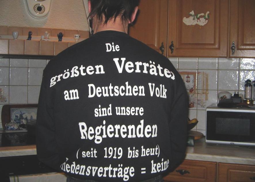 """Henrike Naumann, """"Das Reich"""", 2017, Ausstellungsansicht im Berliner Herbstsalon, Foto: Ladislav Zajac, Courtesy die Künstlerin und KOW, Berlin"""